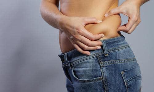 Излишки жировых отложениий убираются липосакцией