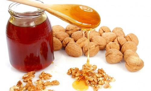 Мед и орехи считаются пищей богов